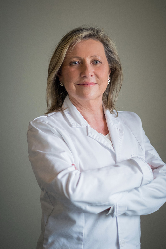 DR. Victoria Aguanell